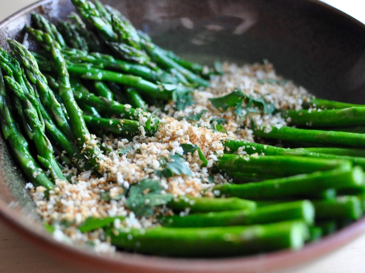 Asparagus with Bread Crumbs